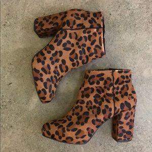 Preloved Topshop Calf-hair leopard booties